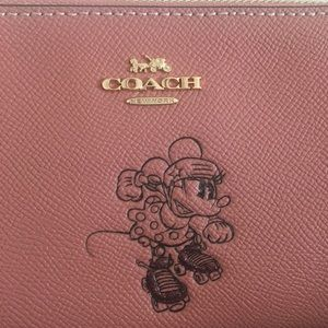 Coach x Disney Minnie Mouse Wristlet NWT